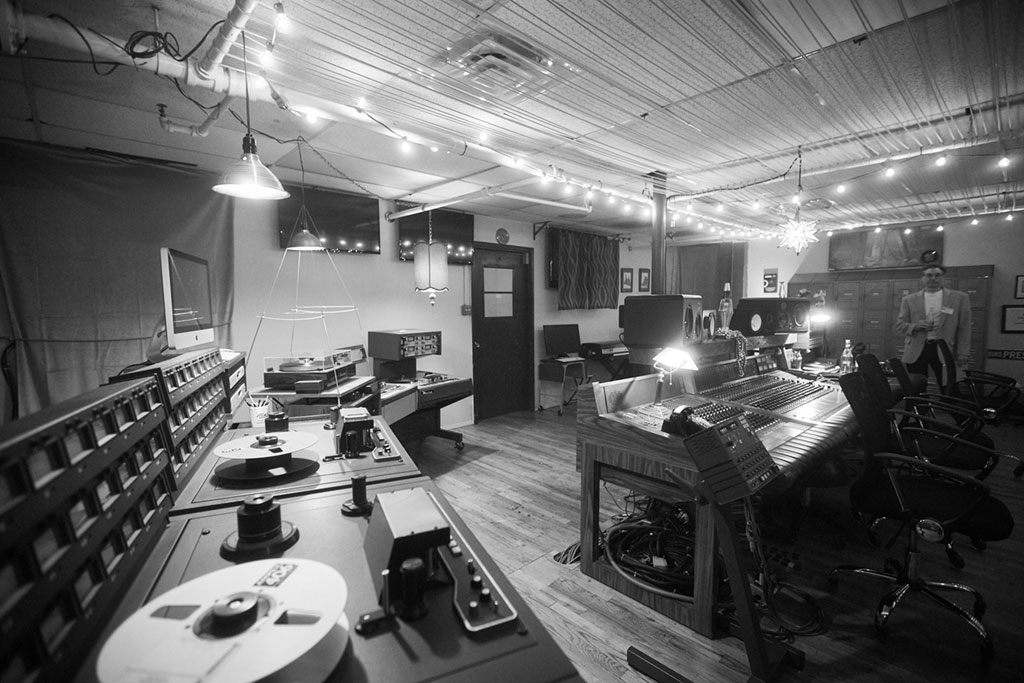 Vintage and Spacious Recording Studio with Analog Equipment